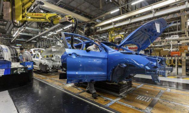 l'automotive affonda e il governo pensa ai monopattini