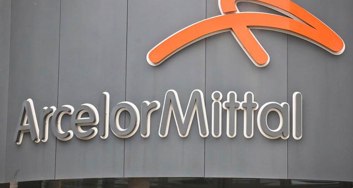 ArcelorMittal, dietrofront dell'azienda: a Taranto ripartono tre altoforni